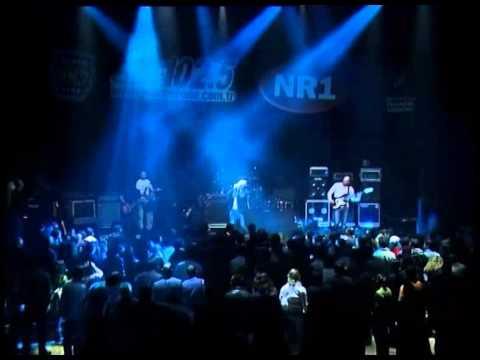 Yüksek Sadakat-Pervane-Live (grubun ilk...