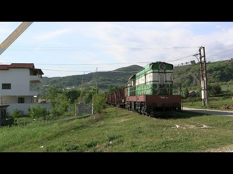 T669 1046 HSH con merci presso Peqin - HSH T669 1046 with freight near Peqin
