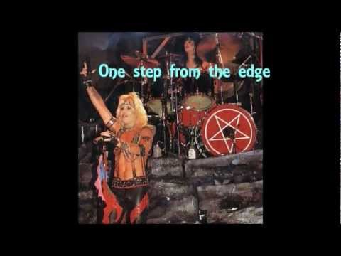 Mötley Crüe: Danger + lyrics