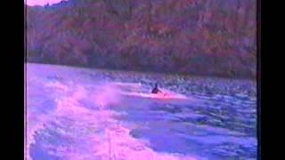 Jodi (Pommes) und Jochen mit Wasserski, Kneeboard, Donut am Strand cala mesquida auf Mallorca 1998