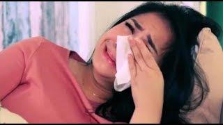 Nagita Slavina menangis saat menyanyikan lagu untuk raffi