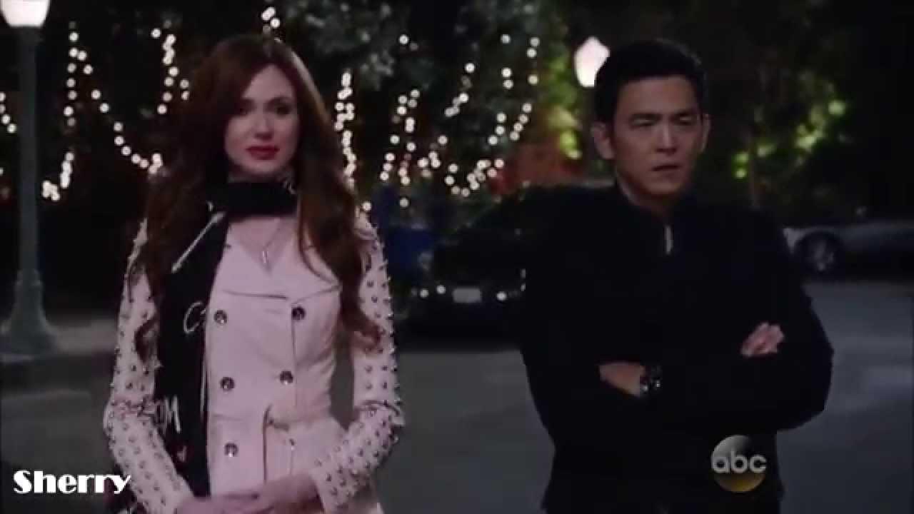 Eliza y Charmonique le buscan novia a Henry intento4 Selfie/(1x06)Sub Español
