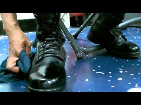HOW TO SPIT SHINE / POLISH MILITARY BOOTS