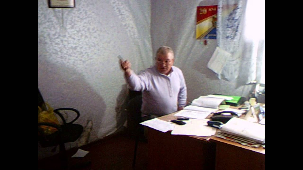 Un fost coleg l-a dat afară din Primăria Căușeni