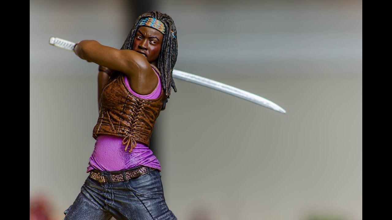 McFarlane Toys The Walking Dead 10-inch Michonne Review - YouTube