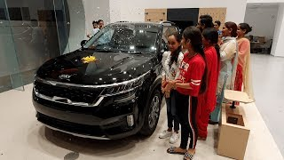 Taking Delivery of Kia Seltos BLACK Special Edition with Family - BOLD Looks, Colour, Interiors