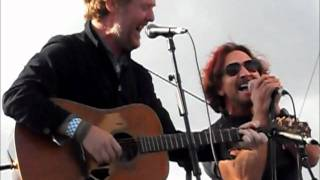 Glen Hansard and Eddie Vedder - Falling Slowly - PJ20 Day 2