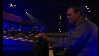 Marcus Miller Band. Leverkusener Jazztage, 2009..mp4