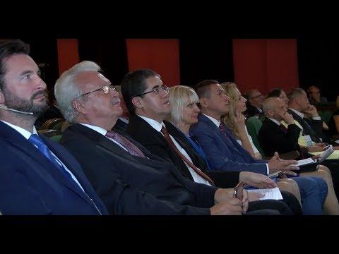 В Даугавпилсе начал работу бизнес-форум