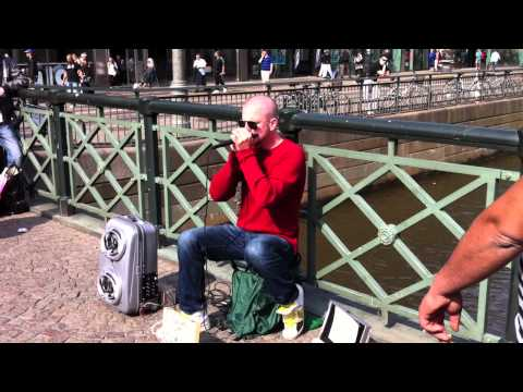 Dave Crowe Beatboxer in gothenburg Amazing Harmonica/beatbox