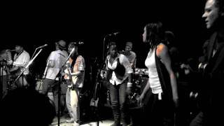 LIVELY UP YOURSELF by GROUNDATION