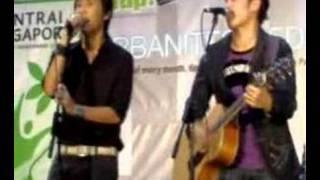 Brods singing Wu Qing De Qing Shu