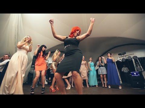 10 Убойных девушек и их чумовые танцы на свадьбе