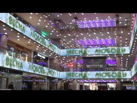 Фоновый контент (ВЕСНА) на межэтажных экранах в ТРЦ «РИО» (Ленинский пр., 109)
