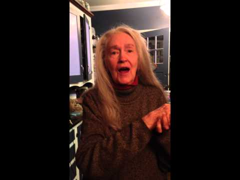 Nearly 90 year old Diva Elizabeth Mae Alderman sings like an angel!