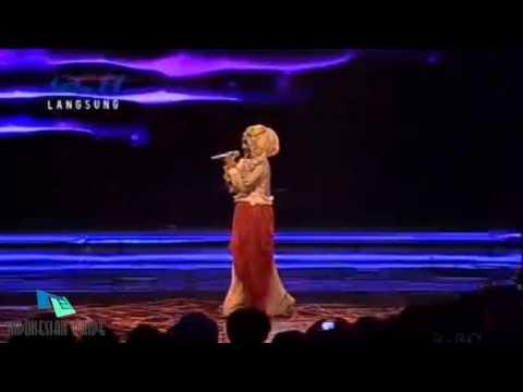 Fatin Shidqia Aku Memilih Setia (Live @AMI Awards 2013)