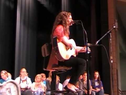 American Idol contestant Holly Miller sings Good Girl at Vinton County Middle School