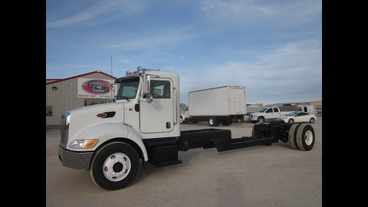2008 Peterbilt 335 Cab & Chassis