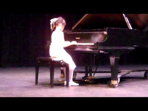 2011-10-16 Caroline Wei Arabesque Op.100 at Chamizal National Memorial