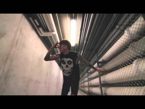 MGK - Breaking News (Lyrics on description) - YouTube