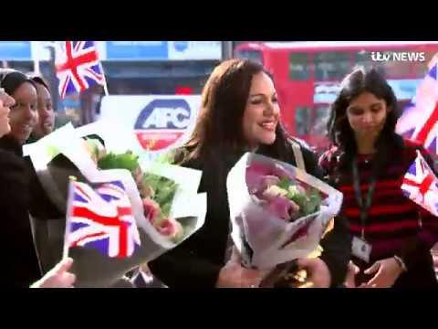 'Best Teacher in the World' returns to school   ITV News