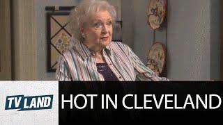 Hot In Cleveland: Nobody Beats Betty White!