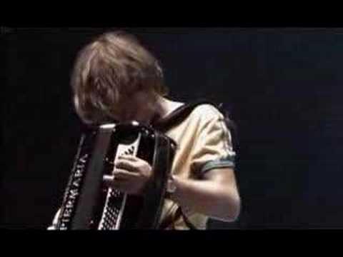 Клип Yann Tiersen - Le banquet