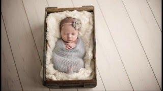 lucu banget bayi baru lahir berpose keren