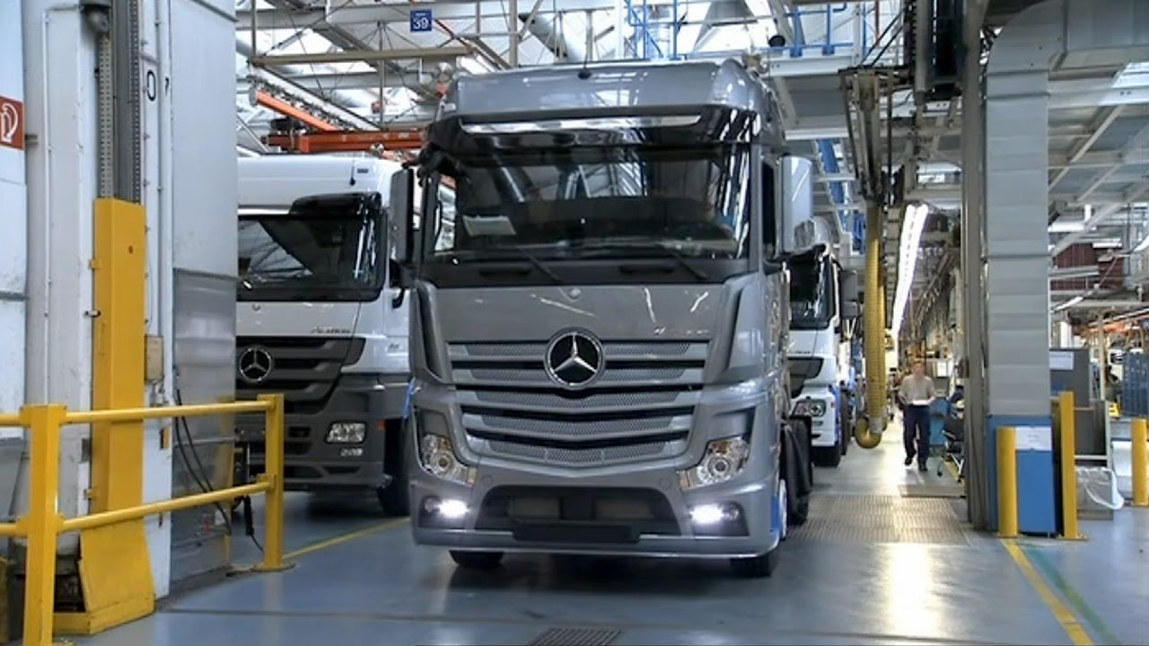 Mercedes benz actros production at the worth plant youtube for Mercedes benz usa factory