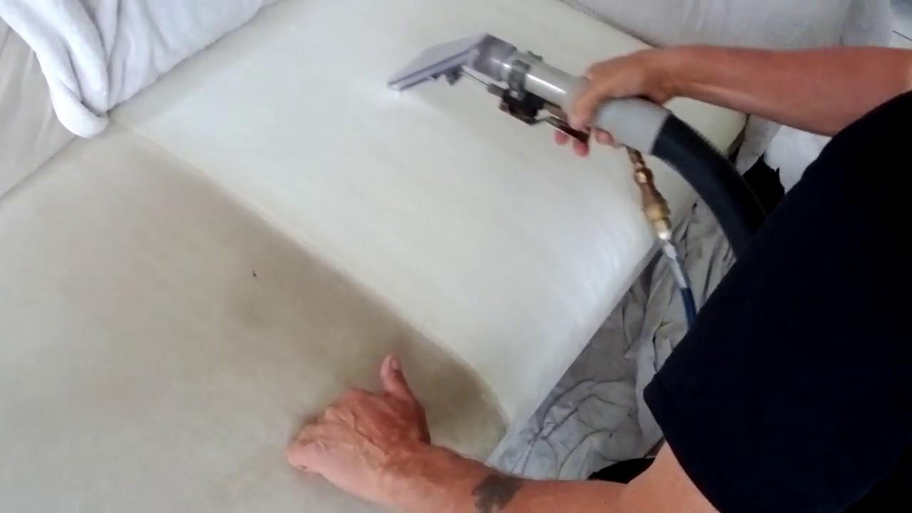 polsterreinigung mikrofaser sofa couch vorher nachher youtube. Black Bedroom Furniture Sets. Home Design Ideas