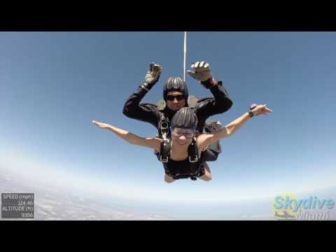 Jessibel's extreme jump at Skydive Miami 05 07 2017