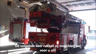 Heb respect voor hulpdiensten. brandweer ambulance politie