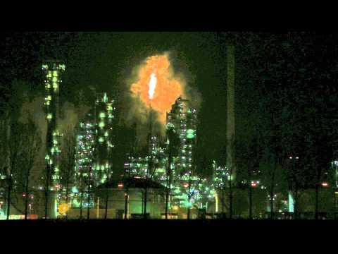 Nighttime @ Esso Refinery Rotterdam