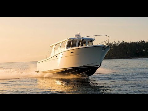 Lindell Offshore 38' — designed for sport fishing, family vacations and entertaining.