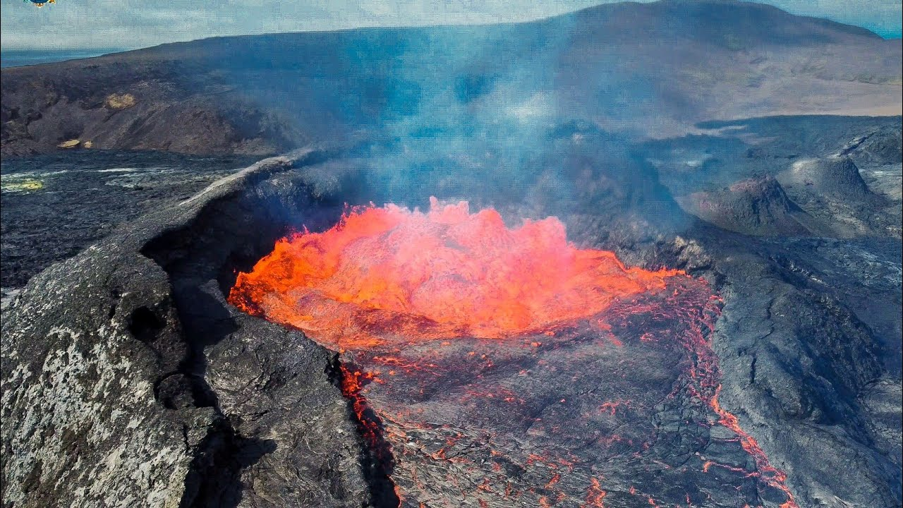 HUGE ICELAND VOLCANO MAKES HISTORY AND IT WON'T STOP ERUPTING! A GLIMPSE INTO THE PAST! July19, 2021