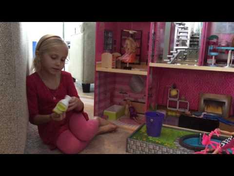 Kidcraft Uptown Dollhouse with Isla Bleu