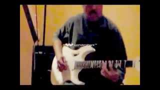 Steve Vai Jem Signature Guitar Try out :)