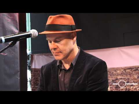 """Thomas Dolby """"She Blinded Me With Science"""" Live"""