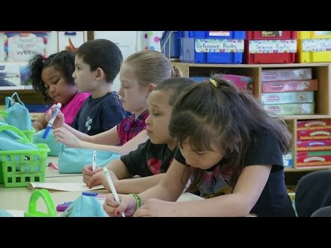 Local first graders make cards for Safyre