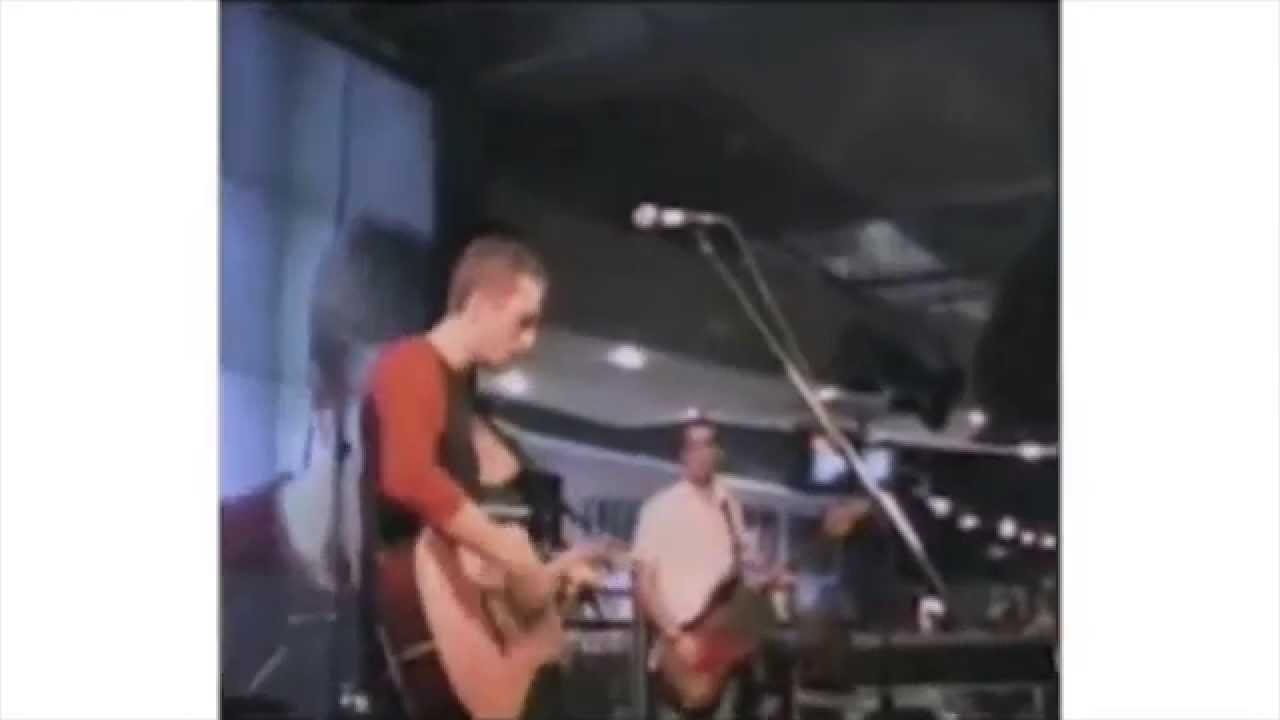 Coldplay — Yellow (HMV Webcast, July 10 2000)