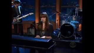 Play Video 'Diane Birch - Nothing But a Miracle @ The Late Late Show with Craig Ferguson'
