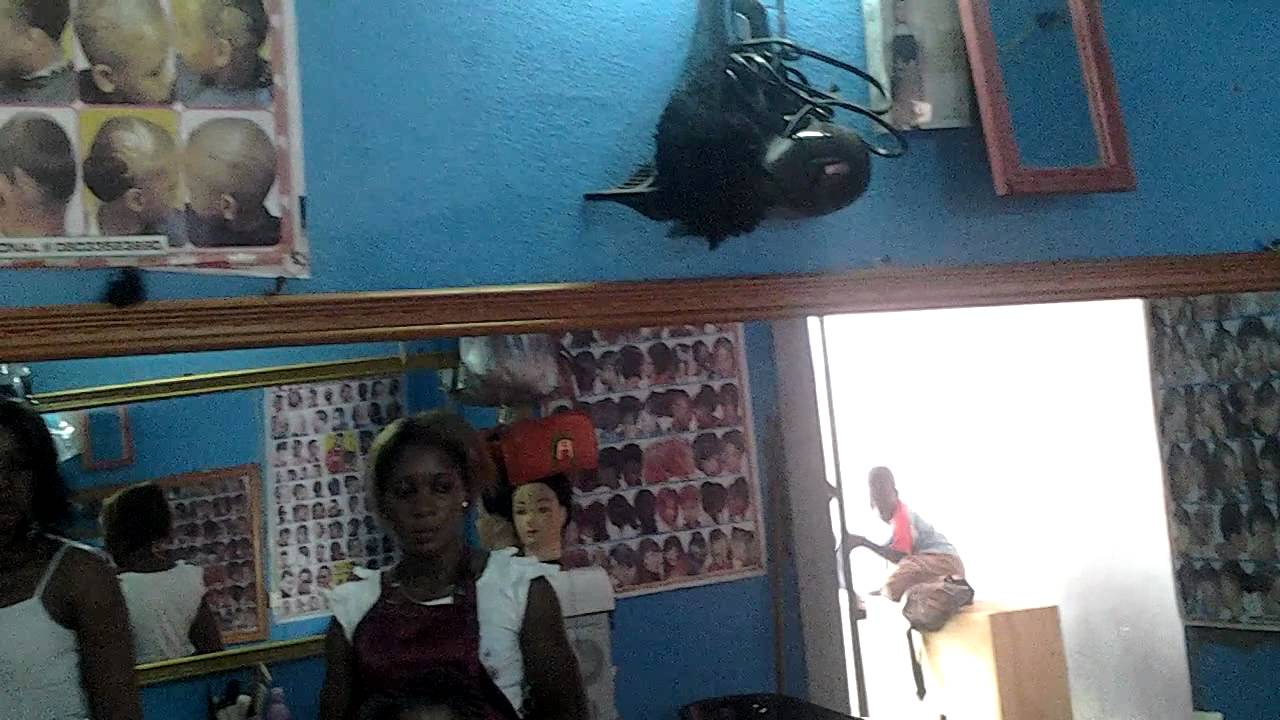Photo Salon De Coiffure Moderne Au Cameroun : Salon de coiffure au cameroun youtube