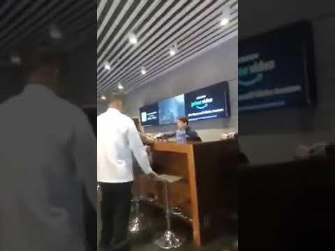 Raging woman rant at Globe store
