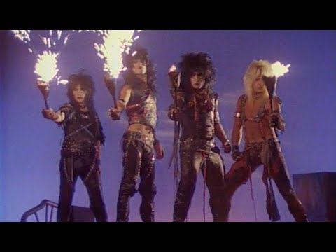 Mötley Crüe - Looks That Kill (Official Music Video)