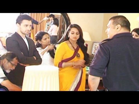 Imran Khan & Sonakshi Sinha on the sets of CID