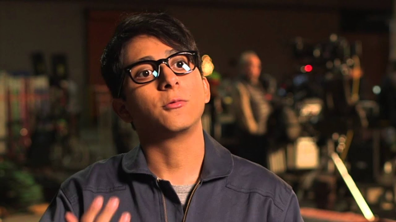 tony revolori height