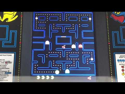 PAC-MAN – ¼ Scale Arcade Cab Close Up Gameplay