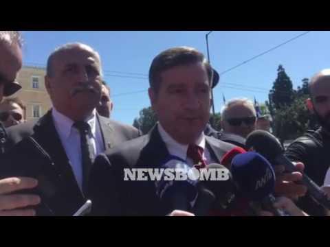 newsbomb.gr: Ο δήμαρχος Αθηναίων Γιώργος Καμίνης στην παρέλαση