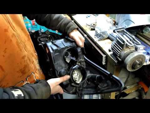Фара Ford Focus 2 передняя правая (Ford 0374D)