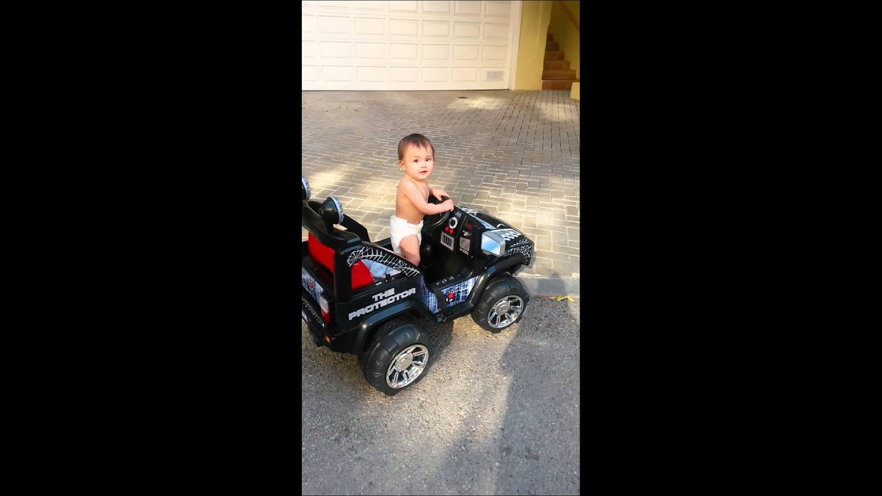 UNBELIEVABLE: CUTEST INFANT BABY DRIVING A JEEP / CAR - YouTube